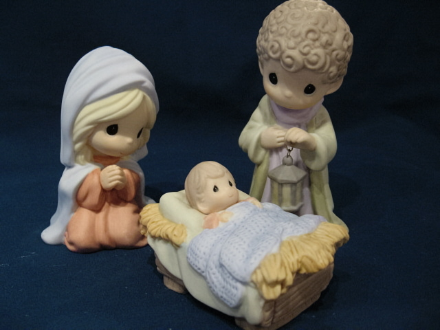 "Precious Moments, Come Let Us Adore Him, 3-Piece Nativity Set, 4.75"" 810012"
