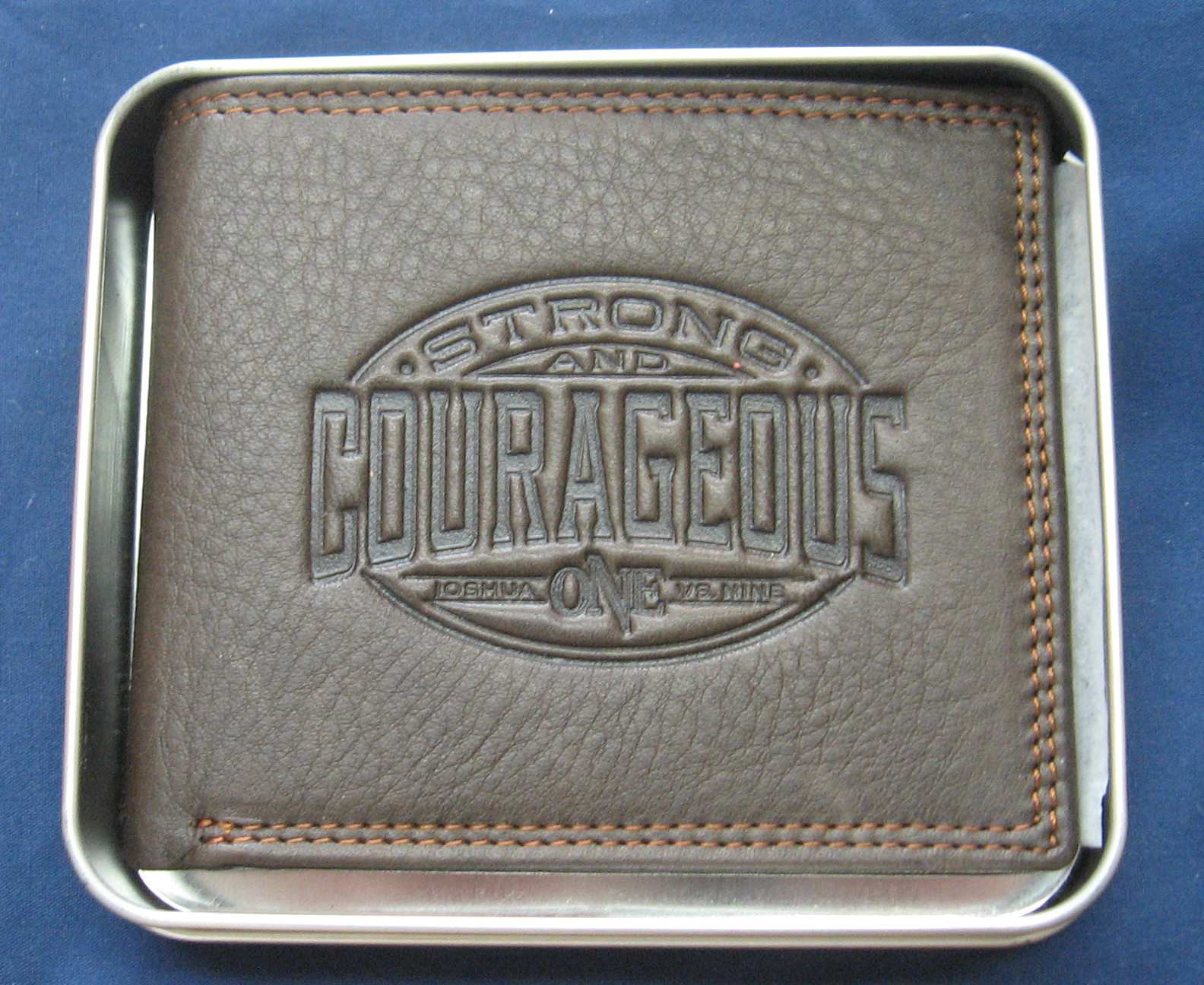 Strong and Courageous JOSHUA ONE VERSE NINE Leather Wallet in Durable Tin